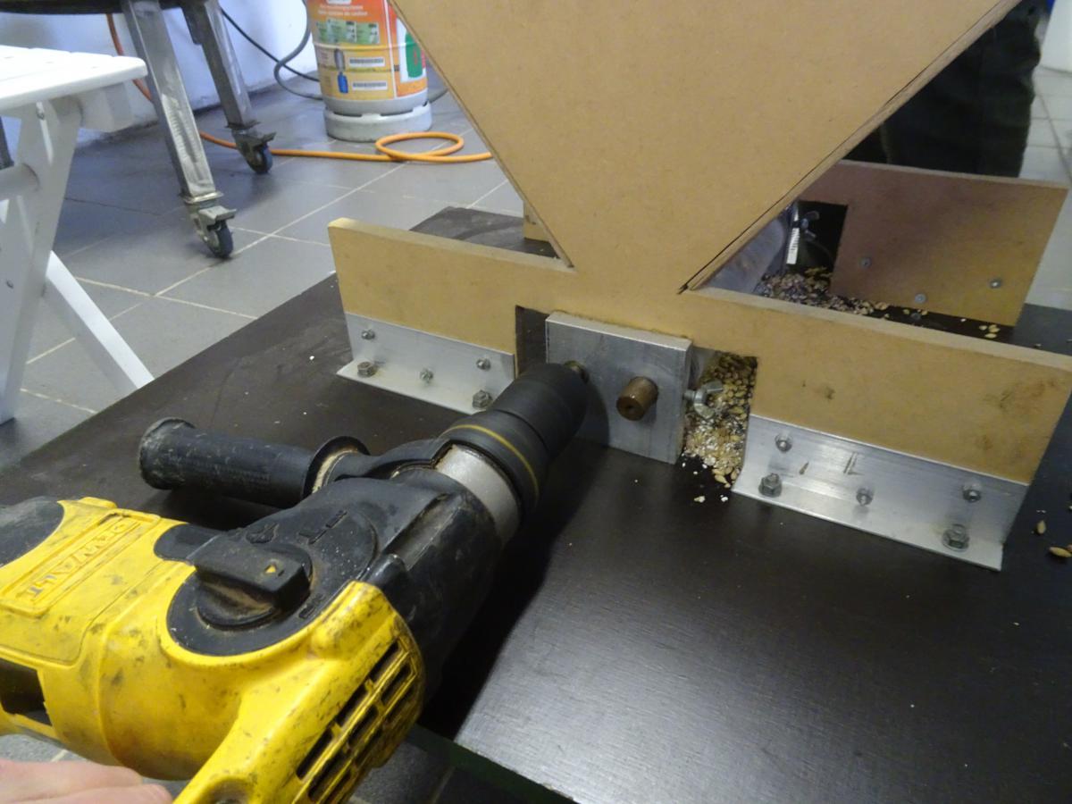 Mout schroten met aandrijving boormachine - Foto Stanneman